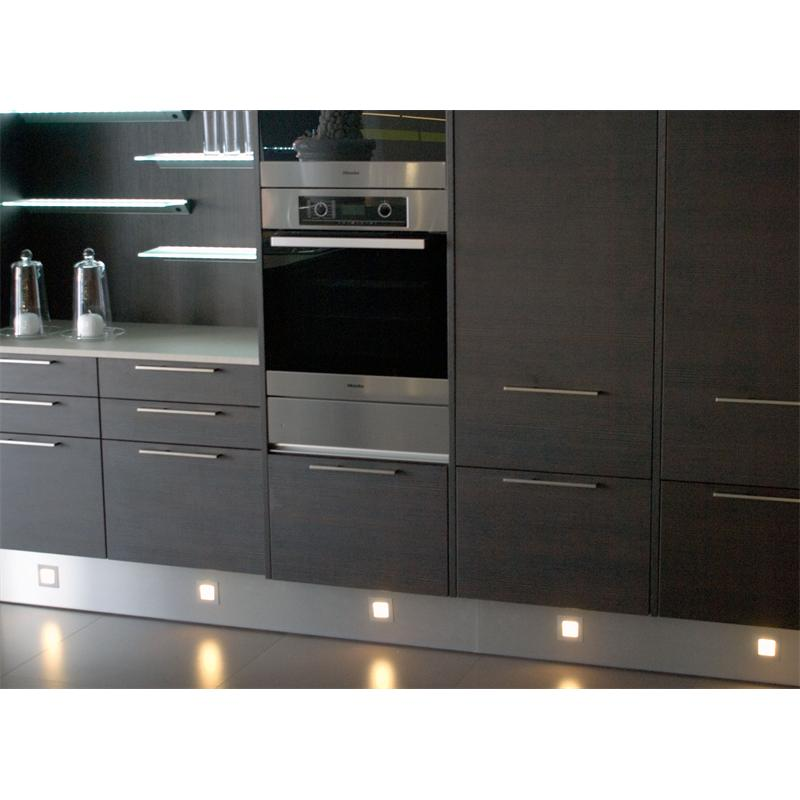 led sockelstrahler edelstahl optik einbau strahler leuchte je strahler 0 5 w warmwei sockelbreich. Black Bedroom Furniture Sets. Home Design Ideas